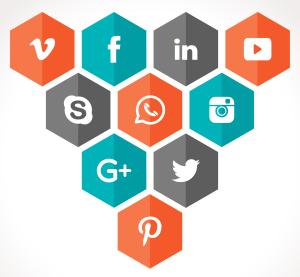 Compartir posts en redes sociales para ayudar a su difución